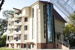 Гостиница «Под липами» Черновцы